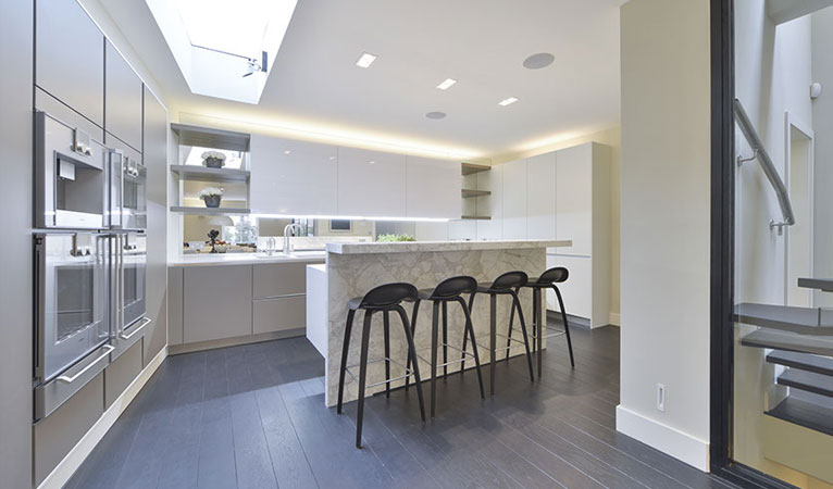 Calacatta Vali Marble Breakfast bar & seating, LED mood lighting & Lutron system in Chelsea SW7